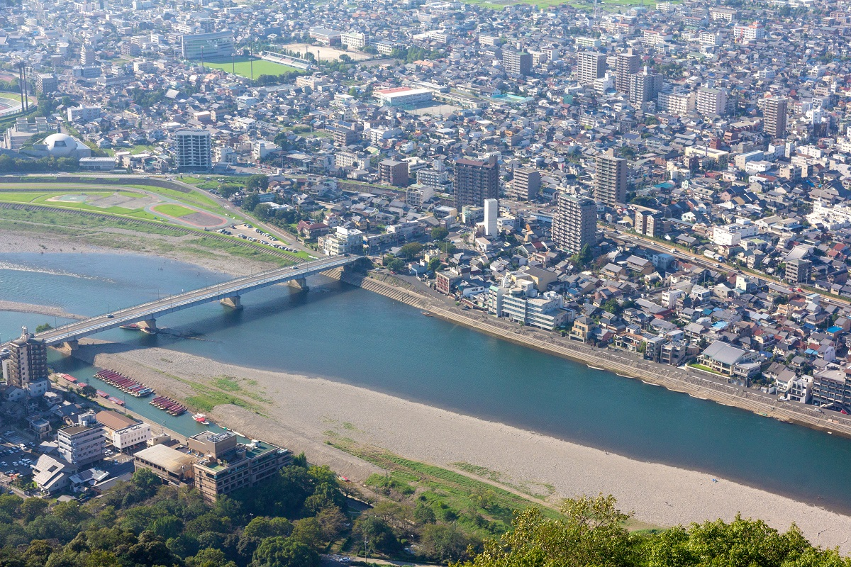 岐阜県と県内市町村 40団体でAIチャットボットサービスを共同で導入[ニュース]
